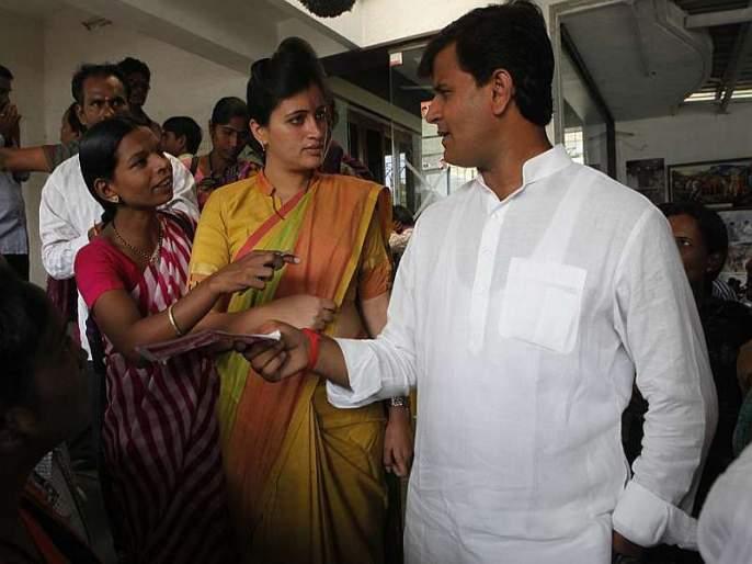 BJP and Congress hopeful, cautious post of veterans in amravati | भाजप अन् काँग्रेस आशावादी, दिग्गजांचा सावध पवित्रा
