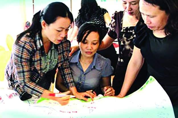 Vietnam's Rook Fight to Save People's Homes and Crops! | लोकांची घरं आणि पिकं वाचवण्यासाठी व्हिएतनाममधील रूकेनं दिला वादळ पावसाशी लढा!