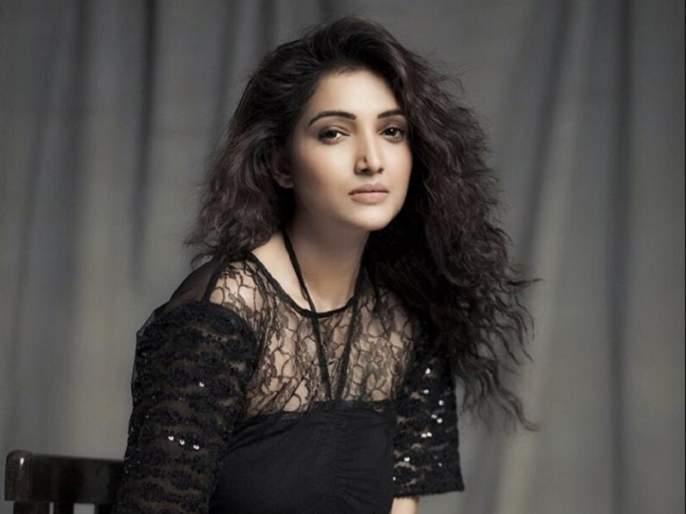 Rupali Bhosale says, 'whose next?' | रुपाली भोसले म्हणतेय, 'व्हूज नेक्स्ट'?