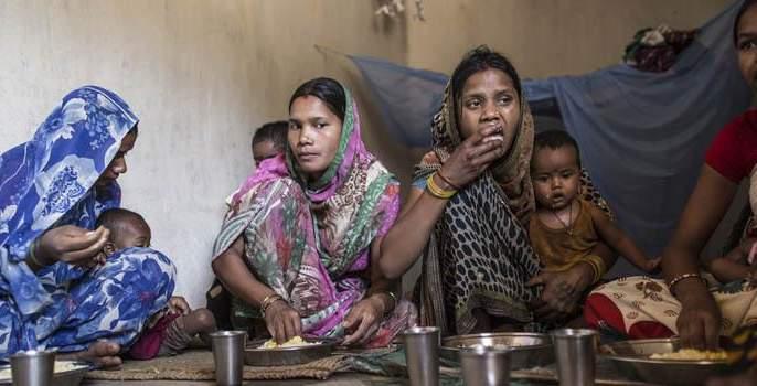 survey-63-percentage-pregnant-women-in-rural-areas-work-till-delivery | खेडय़ापाडय़ातल्या आयाबायांची असह्य परवड, दिवस भरत आले तरी बाळंतपण होईपर्यंत करावी लागतात कामं!
