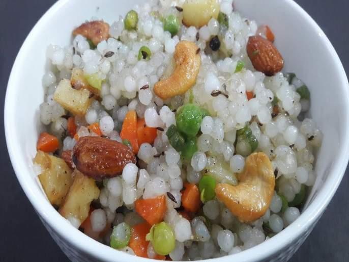 Know healthy recipe of sabudana pulao in marathi   आता खिचडी अन् खीर सोडा; साबुदाण्याचा खमंग पुलाव तयार करा