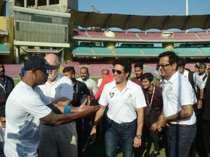 Sachin Tendulkar Exclusive: you can learn new which from each games | Sachin Tendulkar Exclusive : प्रत्येक खेळातून नवीन गोष्ट शिकता येते....
