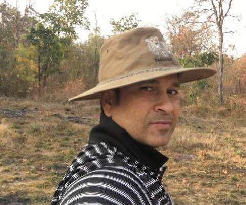 'Cricket Tiger' s Sachin Tendulkar in Tadoba forest for tiger safari   'क्रिकेटचा वाघ' ताडोबाच्या जंगलात; सचिन तेंडुलकरने केली कोलरा गेटमधून सफारी