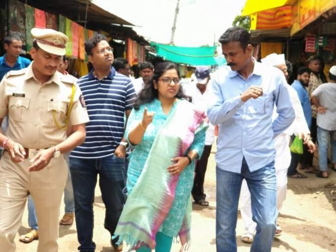 District Collectors Visit Sailani; Instructions for keeping records of psychiatric cases | जिल्हाधिकाऱ्यांची सैलानीला भेट; मनोरुग्णांची नोंद ठेवण्याचे निर्देश