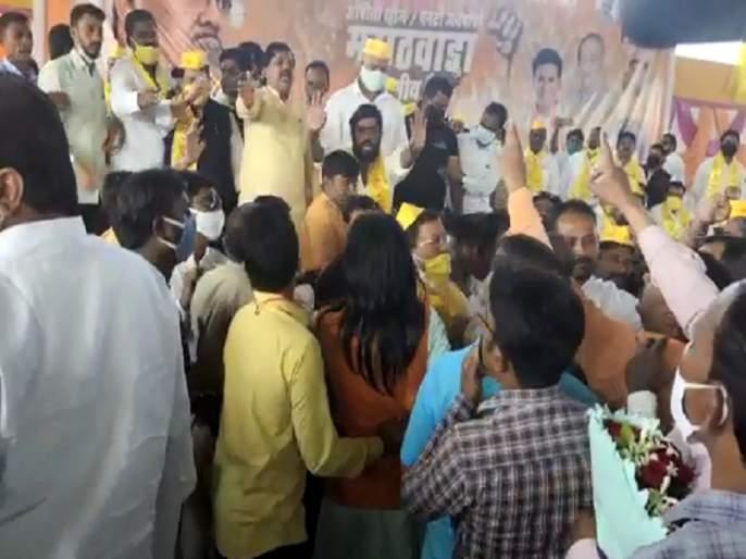 Criticism of Chhagan Bhujbal caused confusion in Vadetiwar's OBC meet | छगन भुजबळांवर टीका केल्याने वड्डेटीवारांच्या ओबीसी मेळाव्यात समता परिषदेचा गोंधळ