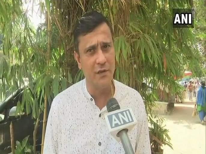 MNS leader sandeep deshpande criticized on shiv sena; BJP on Rahul Gandhi's Savarkar jibe | आधी भाजपाची अन्आता काँग्रेसची करतायेतलाचारी; मनसेची शिवसेनेवर टीका