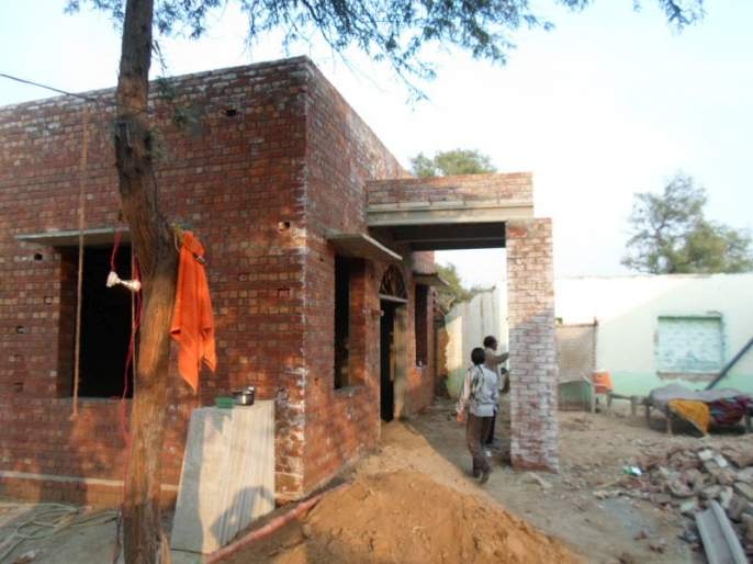 Issue of free sands for home construction not solved   बांधकामासाठीच्या मोफत रेतीचा गुंता कायम