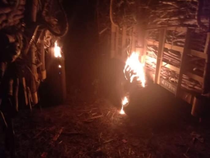 swabhimani shetkari sanghatana turn violent in sangli | ऊस आंदोलन चिघळले, 'स्वाभिमानी'कडून सांगली जिल्ह्यात जाळपोळ