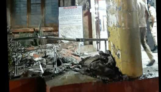 A large slab of the porch at the entrance of Sangli Civil collapsed | सांगली सिव्हीलच्या प्रवेशद्वारातील पोर्चचा मोठा स्लॅब ढासळला