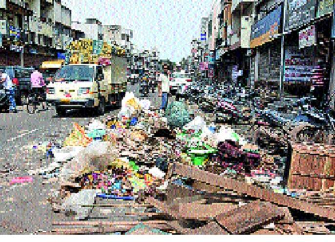 Daily loss of one and a half crore in the market yard | सांगली मार्केट यार्डात दररोज अडीच कोटीचे नुकसान