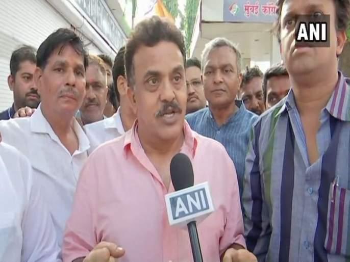 Sanjay Nirupam criticizes Milind Deora's resignation | मिलिंद देवरा यांच्या राजीनाम्यावर संजय निरुपम यांची टीका