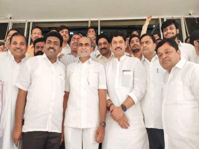 selection of Sanjay Daund on Legislative Council | विधान परिषदेवर संजय दौंड यांची बिनविरोध निवड