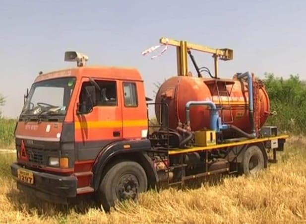 Saswad's wells were filled with chucky petrol and diesel | सासवडच्या विहिरी चक्क पेट्रोल डिझेलने भरल्या, अज्ञातांवर गुन्हा दाखल