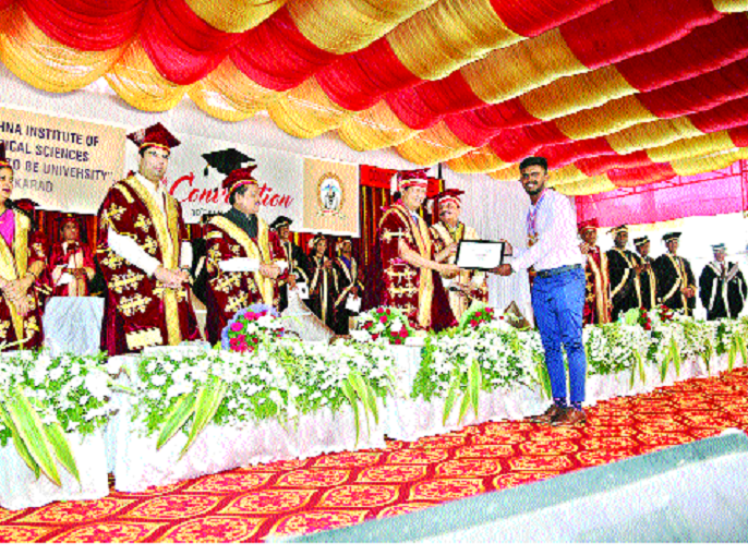 Self-Proposed Doctor on social media: - Vidyasagar Rao | सोशल मीडियावर स्वयंघोषित डॉक्टरांचा सुळसुळाट-- : सी. विद्यासागर राव