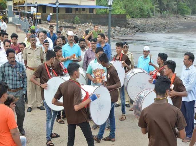 Coconut poornima is celebrated everywhere in Ratnagiri district | रत्नागिरी जिल्ह्यात सर्वत्र नारळी पौर्णिमा साजरी