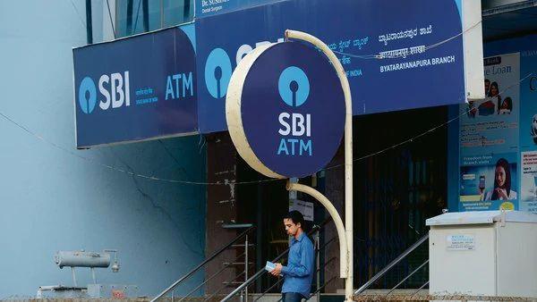 Good news! SBI mulls extending repo-linked home loans to existing borrowers; EMI will decrease | खूशखबर... स्टेट बँकेचं गृहकर्ज घेतलेल्यांचा खिसा खुळखुळणार; EMI घटणार