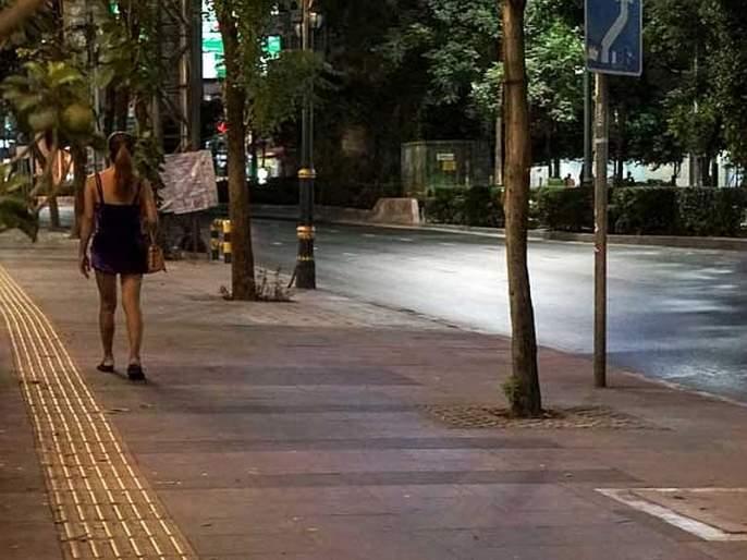 In Thailand sex workers on roads looking for customers due to coronavirus crisis sna   कोरोनामुळे 'पार्टीलँड' ठप्प, रस्त्यावर ग्राहकांना शोधतायेत सेक्स वर्कर्स