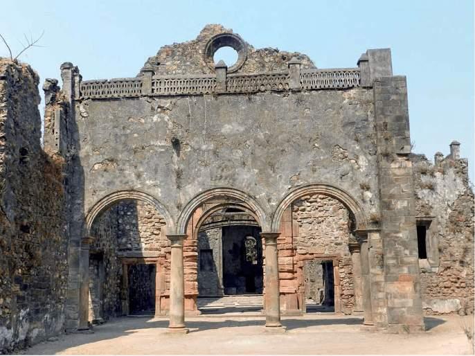 Misbehavior in Vasai Fort! | वसई किल्ल्यात गैरप्रकार! किल्ला वाचवण्यासाठी 'बेमुदत उपोषण'