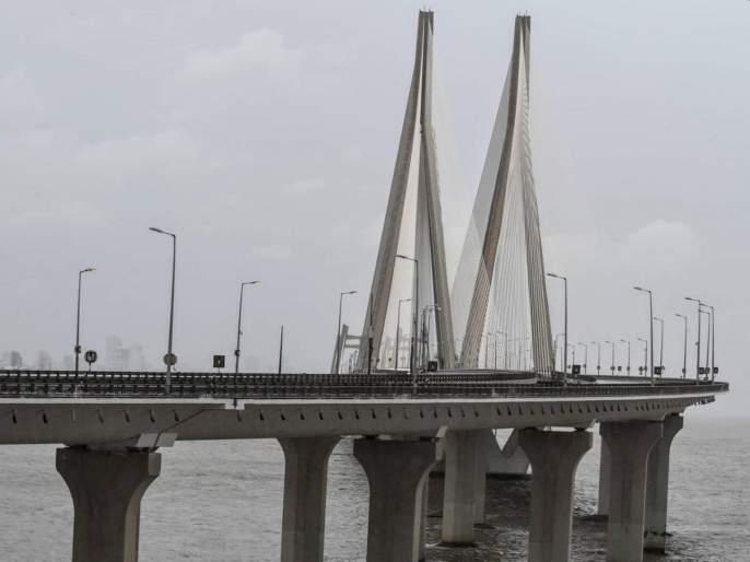 big relief for mumbai cyclone nisarga moves towards north Maharashtra   Cyclone Nisarga: मोठा दिलासा! मुंबईला असलेला निसर्ग चक्रीवादळाचा धोका टळला; अलर्ट कायम