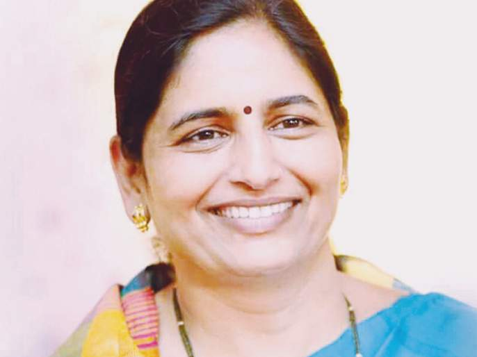 Nashik Election Results: A win in the neck of Border Diamonds again from the western constituency, Maharashtra vidhansabha election Results 2019   नाशिक निवडणूक निकाल : पश्चिम मतदारसंघातून पुन्हा सीमा हिरे यांच्या गळ्यात विजयाची माळ