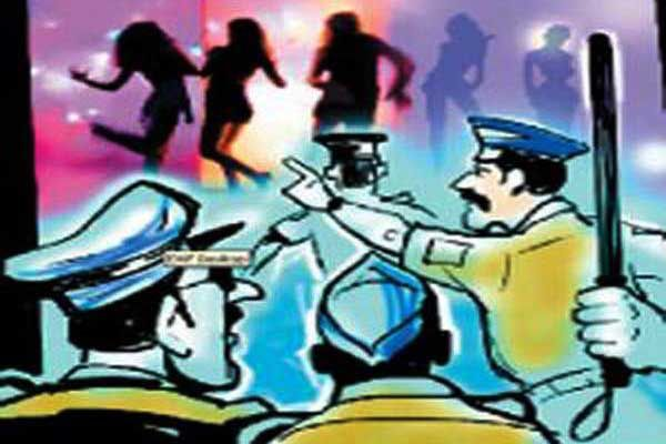 Police raid: arrested 45 including 38 barbala at Kasarawadali Bar in Thane | ठाण्यातील कासारवडवली येथील बारवर धाड: ३८ बारबालांसह ४५ जणांवर पोलिसांची कारवाई