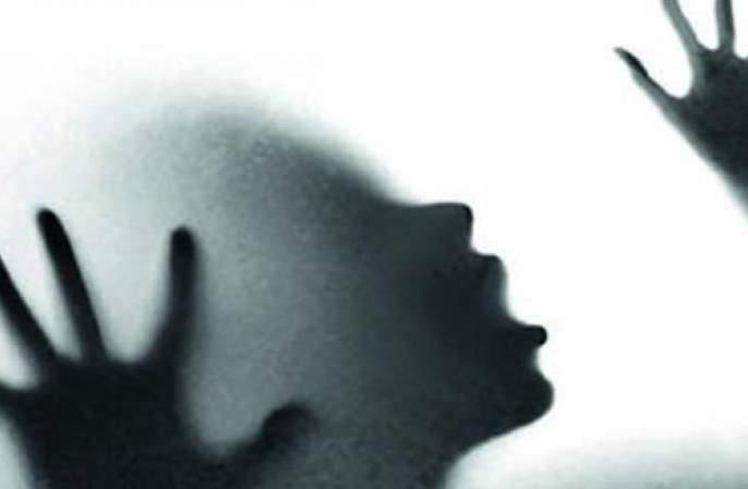 young girls being more harassed | किशोरवयीन मुलींचे आमिषाला बळी पडण्याचे प्रमाण अधिक