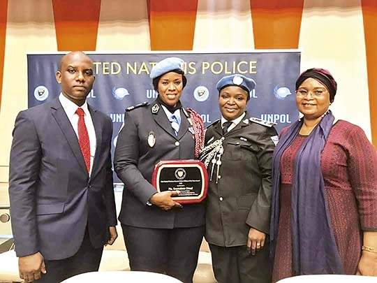 UN Female Police Officer of the Year, Major Seynabou Diouf | सेयनबोऊ ! निराधार महिलांचा आवाज बुलंद करणारी आफ्रिकन गोष्ट.