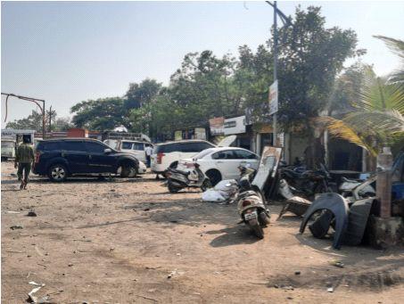 The Panvel-Mumbra highway is in danger due to encroachments | अतिक्रमणांमुळे पनवेल-मुंब्रा महामार्ग आला धोक्यात