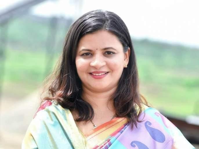in Shirdi Thorat 's daughter challenges to Radhakrishna Vikhe Patil ? | शिर्डीत बाळासाहेब थोरातांच्या कन्या देणार राधाकृष्ण विखेंना आव्हान ?