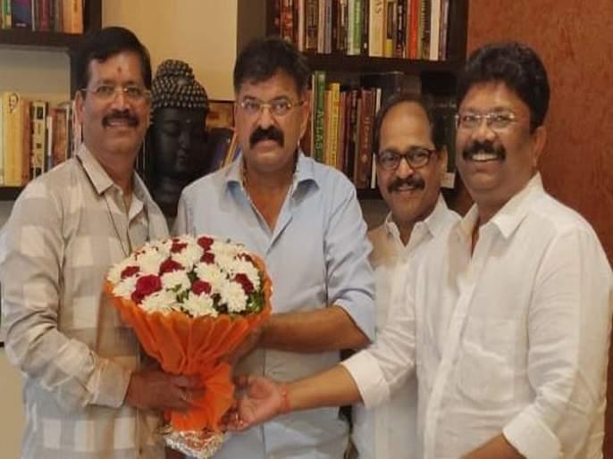 Shiv Sena Mira Bhayander Assembly Department head enters NCP | शिवसेना मीरा- भाईंदर विधानसभा विभागप्रमुखांचा राष्ट्रवादीत प्रवेश