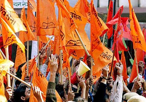Vidhan sabha 2019 : Shiv Sena's spontaneous preparations in Thane, two MLAs likely to split   Vidhan sabha 2019: शिवसेनेकडून ठाण्यात स्वबळाची तयारी,दोन आमदार फुटणार?
