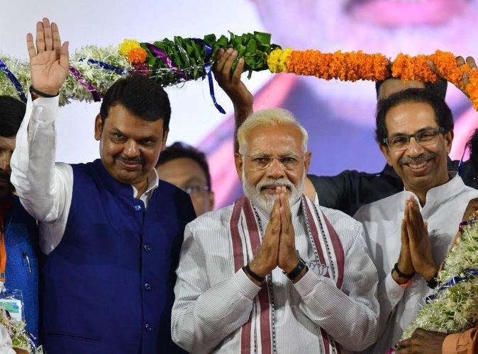 Maharashtra Vidhan Sabha 2019: Alliance will only come if given half the seats Says Shiv Sena Leader Diwakar Rawate   Vidhan Sabha 2019: 'आघाडीचं ठरलं मात्र युतीचं घोडं अडलं; निम्म्या जागा दिल्या तरच युती अन्यथा...