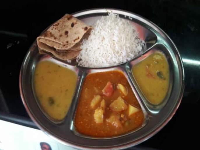 Distribution of 3 lakh 39 thousand 515 Shiva food plates in Mumbai Thane in the month of June | मुंबई ठाण्यात जून महिन्यात ३ लाख ३९ हजार ५१५ शिवभोजन थाळ्यांचे वाटप