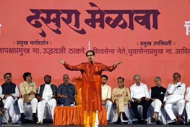 Peace at Shivaji Park, Shiv Sena's Dussehra rally online for the first time in history   शिवाजी पार्कवर शांतता, इतिहासात पहिल्यांदाच शिवसेनेचा 'दसरा मेळावा ऑनलाईन'