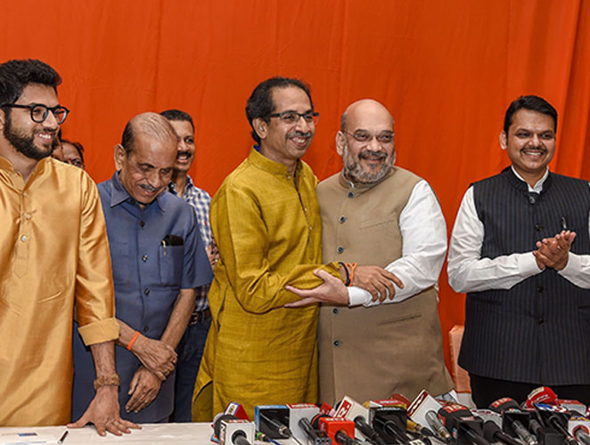 It's finally done! Shiv Sena-BJP coalition allocation formula; Announcement will happen in the next two days | अखेर शिवसेना-भाजपा युतीच्या जागावाटपाचा फॉर्म्युला ठरला; दोन दिवसांत होणार युतीची घोषणा?