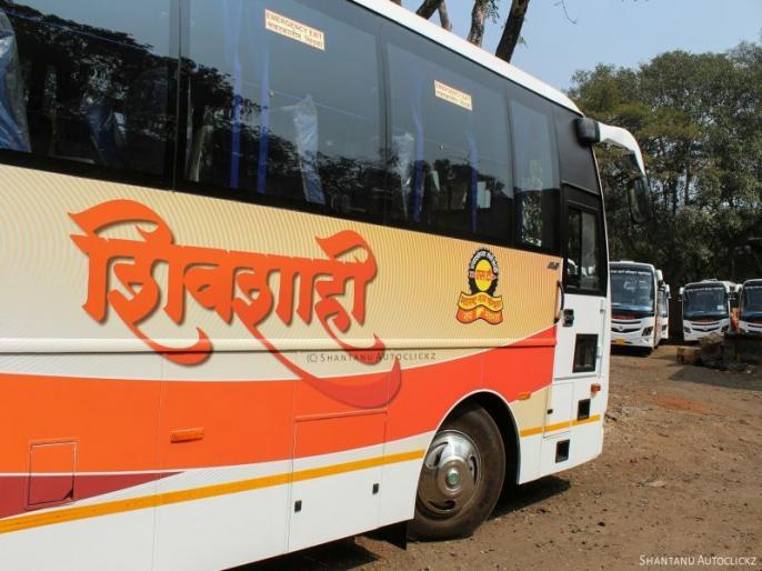 The tire of Shivshahi bus broke out near Nagthane | नागठाणेजवळ शिवशाही बसचा टायर फुटला