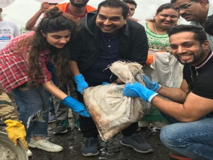 Singer Shankar Mahadevan and Radio City Kar Mumbaikar Initiative | रस्त्यावरील खड्डे बुजविण्याच्या मोहीमेत सामील झाले शंकर महादेवन