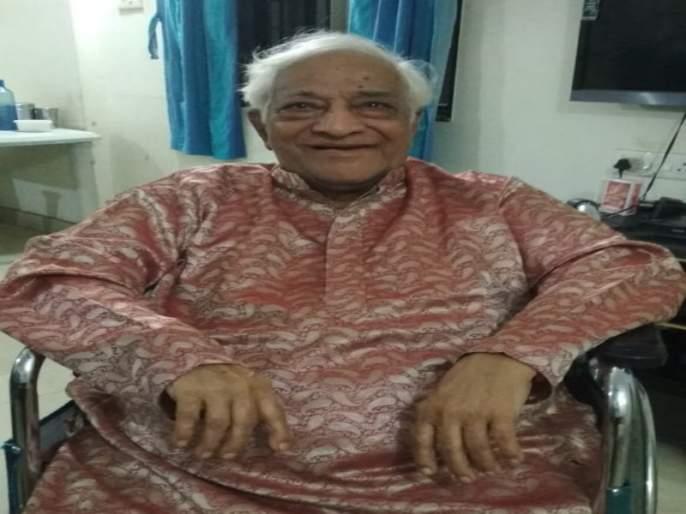 The audience of the play will continue to grow In the future : Shrikant Moghe | भविष्यात नाटकाचा प्रेक्षकवर्ग वाढतच जाणार : श्रीकांत मोघे