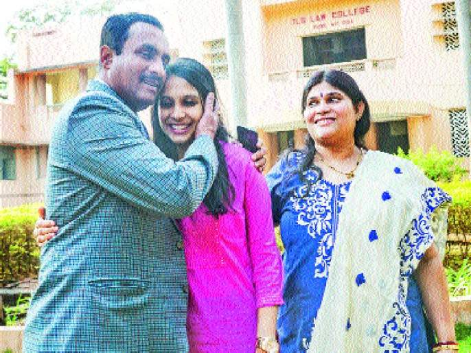 In the 'Combined Defense', the first of the Shruti in Pune, the results of Public Service Commission | 'कम्बाइन्ड डिफेन्स'मध्ये पुण्याची श्रुती देशात प्रथम, लोकसेवा आयोगाचा निकाल जाहीर