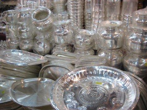 silver rate dips today on 23 october this diwali buy silver perfect time to invest earn money | चांदी खरेदीसाठी 'बेस्ट टाइम'! दिवाळीपूर्वी गुंतवणूक केल्यास होईल फायदा, जाणून द्या आजचा दर