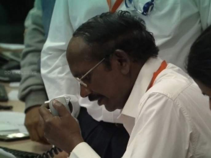 Chandrayaan 2 A special poem for isro chief k sivan | Chandrayaan 2: प्रिय इस्रो प्रमुख के. शिवन यांस...