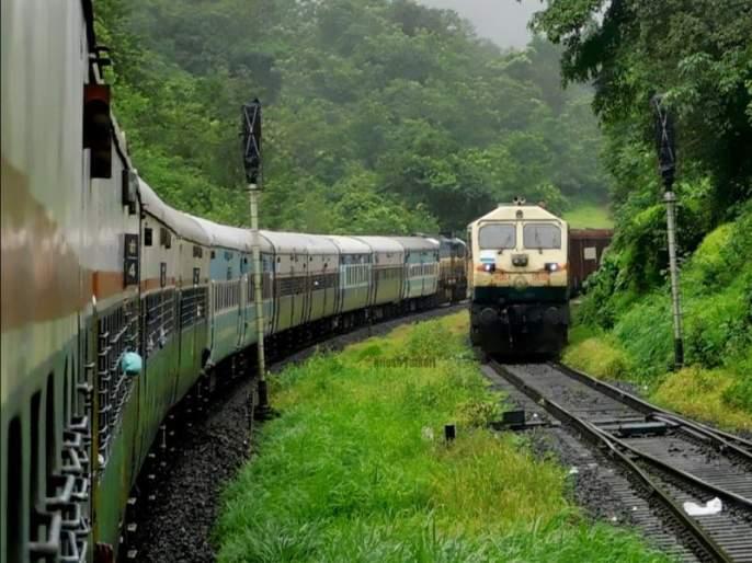 162 special trains to run for Ganeshotsav on Konkan Railway route; Servants will get relief | कोकण रेल्वेच्या मार्गावर गणेशोत्सवासाठी धावणार 162 स्पेशल गाड्या; चाकरमान्यांना मिळणार दिलासा