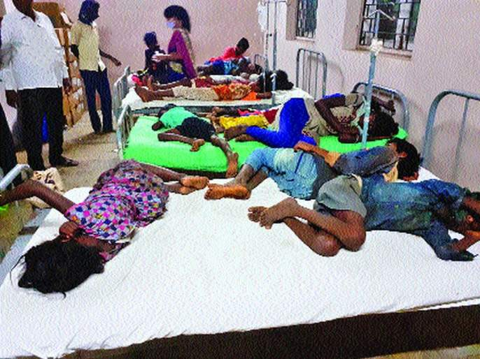 14 children poisoned in Dasgaon tribe; Trouble eating the castor fruits in the forest | दासगाव आदिवासीवाडीतील १४ मुलांना विषबाधा;जंगलातील एरंडीची फळे खाल्ल्याने त्रास