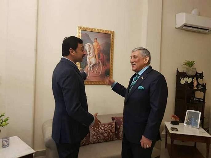 Former Indian Army Chief and Chief of Defense Staff Bipin Rawat today met MP Chhatrapati Sambhaji Raje mac | ...अन् संभाजीराजेंनी माजी लष्करप्रमुखांना सांगितली शिवरायांच्या पराक्रमी सुनेची गोष्ट