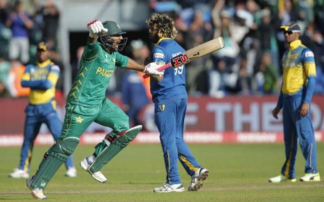 ICC World Cup 2019: Pak ready to maintain winning streak against Lanka | ICC World Cup 2019: लंकेविरुद्ध विजयी लय राखण्यास पाक सज्ज