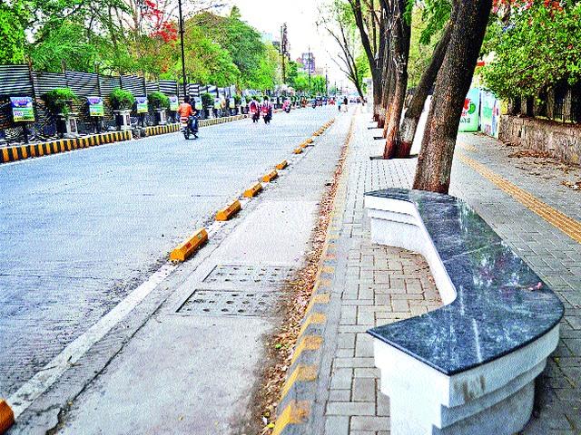 Traders' agitation today due to smart road | रखडलेल्या स्मार्ट रोडमुळे आज व्यापाऱ्यांचे आंदोलन