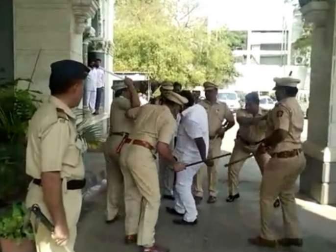 Solapur municipal commissioner Avinash Dhakane tried to kill Kolek, 20 people including Shrishal Gaikwad   सोलापूर मनपा आयुक्त अविनाश ढाकणे यांना रॉकेल ओतून जिवे मारण्याचा प्रयत्न, श्रीशैल गायकवाडसह २० जणांविरुद्ध गुन्हा
