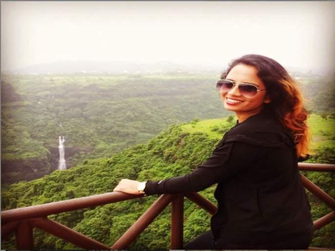 I am not from any group, Actress smita tambe on groupism of industry   मी कुठल्याही गटाची नाही, अभिनेत्री स्मिता तांबेचं चित्रपटसृष्टीतील गटबाजीवर परखड मत