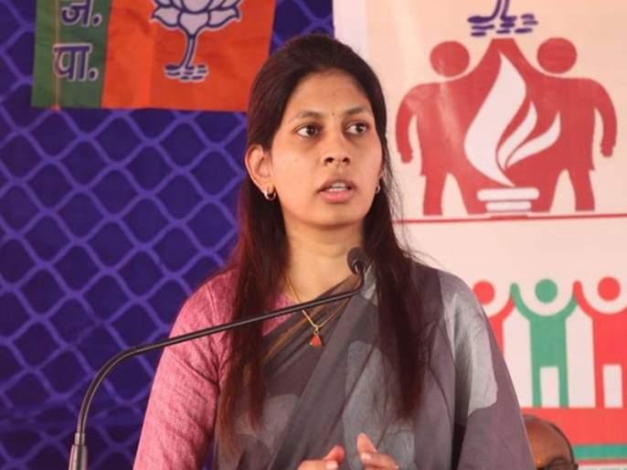 """BJP MP Raksha Khadse said that action should be taken against those who are guilty""""It didn't have to go viral, I felt so bad."""" Raksha Khadse demands action   """"ते व्हायरल करण्याची गरज नव्हती, मला खूप वाईट वाटलं""""; रक्षा खडसेंनी केली कारवाईची मागणी"""