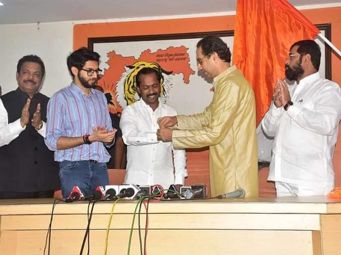 In the hands of Shivsena's saffron flag, MLA Borora formed Shiv bandhan by uddhav thackery   शिवसेनेचा भगवा झेंडा घेतला हाती, राष्ट्रवादीच्या आमदार बरोरा यांनी शिवबंधन बांधले